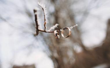 A téli esküvő előnyei, amiket érdemes ismerned!