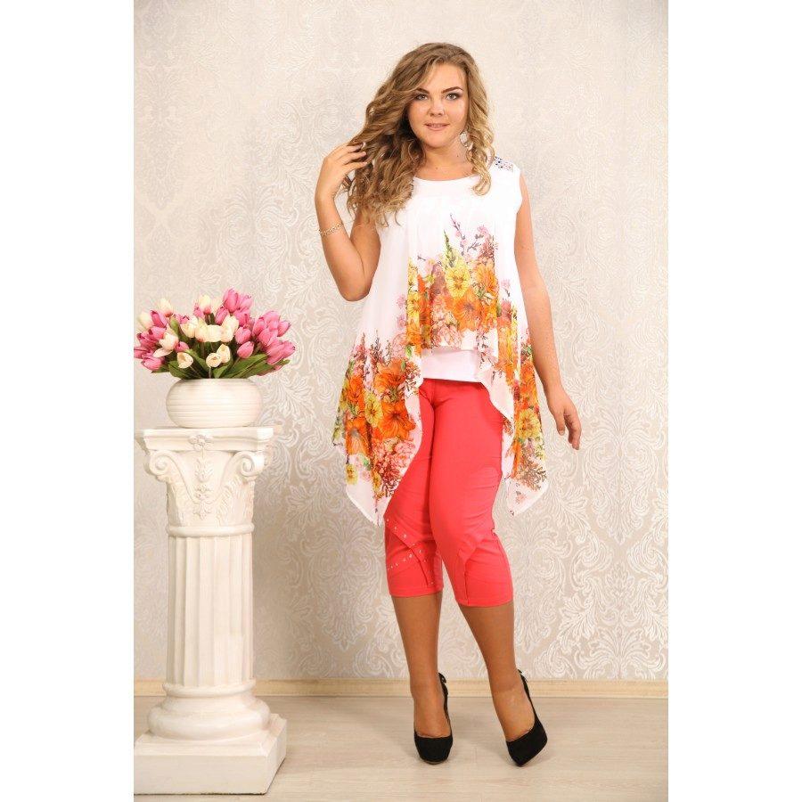 1. A díszítő tunika amelynek az alja lezser a legjobb választás egy igazi  nő számára. Egy háromnegyedes nadrággal kombinálva a legkényelmesebb  viselet a ... 8567f320f1